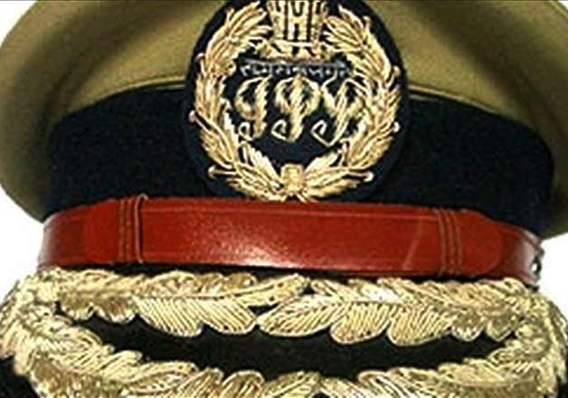 8 IPS officers