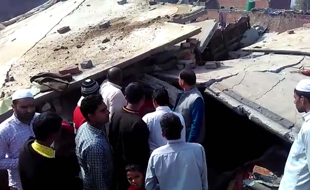 house building collapse in kairana