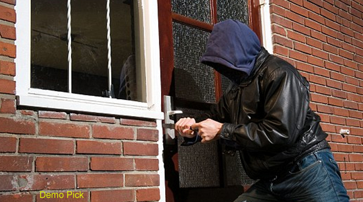 over one crore theft in kanpur