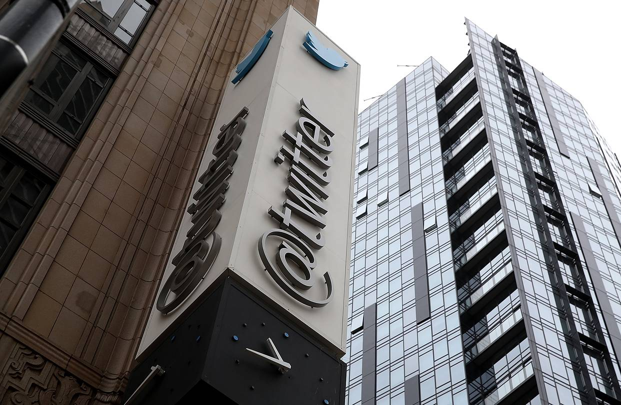 Twitter to launch a 24-hour streaming news channel.