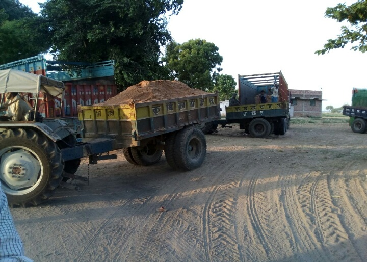 ghazipur sand being transported overloaded trucks with collusion of marufpur police