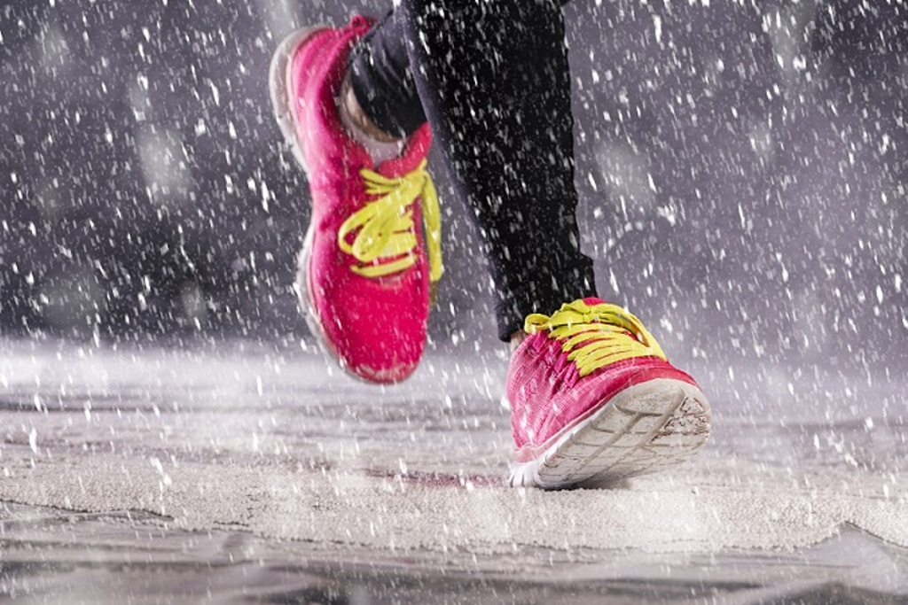 Simple fitness tips for monsoon: Don't let your fit mode dry out