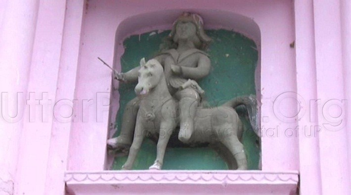 unique Shiva temple where idol of british officer is present in kanpur