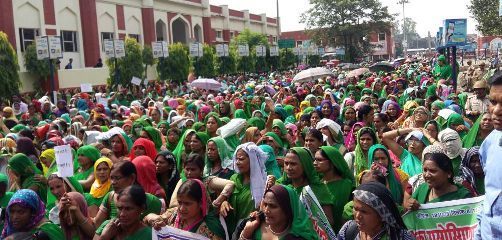 anganwadi workers big protest
