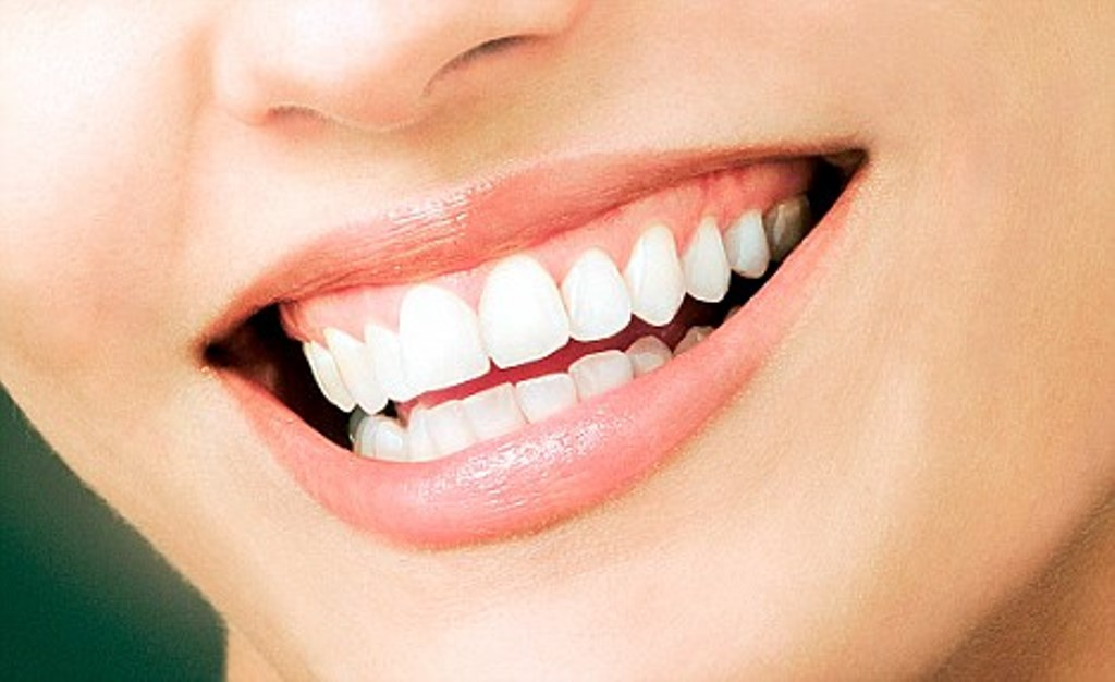 Seven food items that can stain teeth