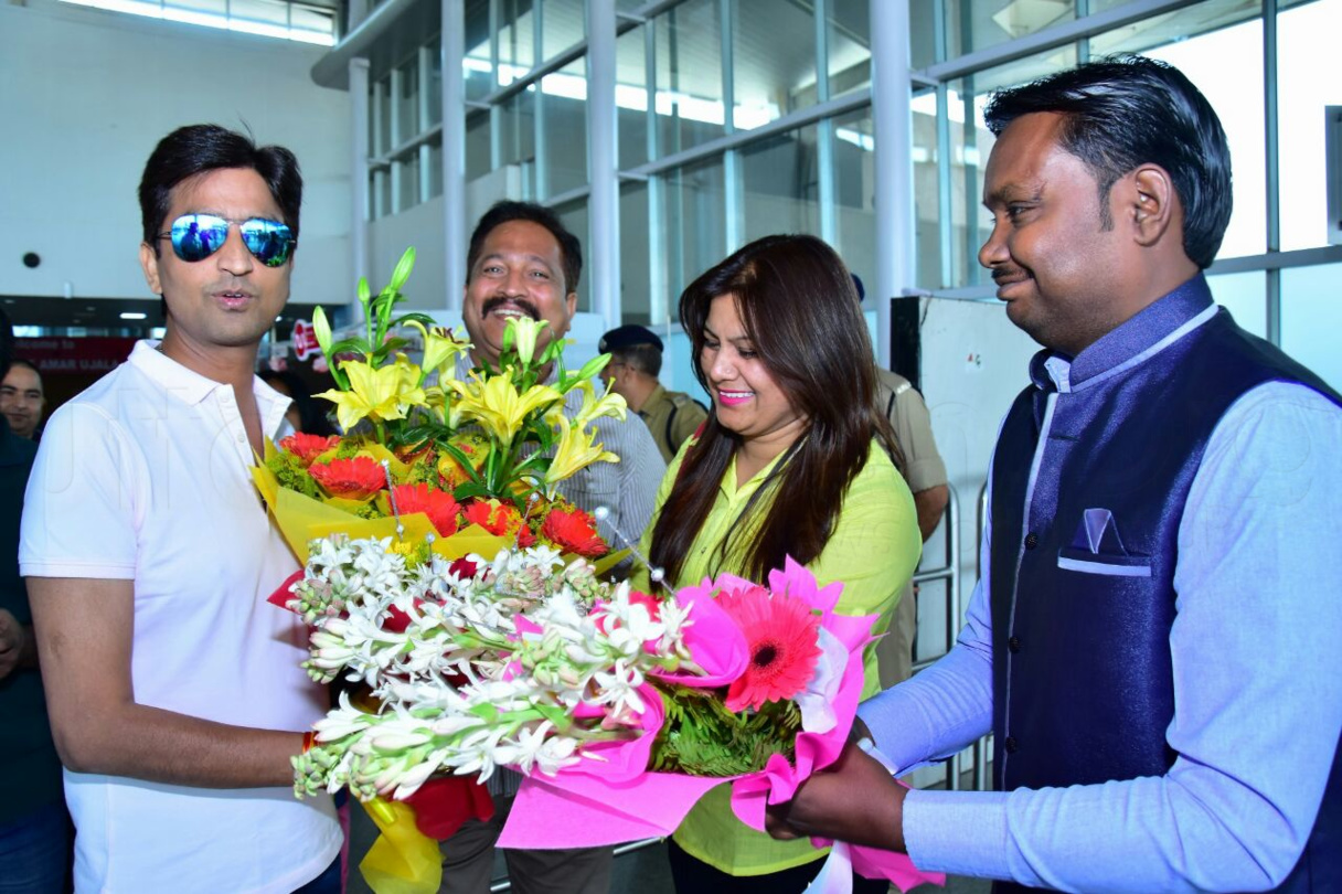 The famous poet Dr  KumarVishwas at Amausi airport Lucknow
