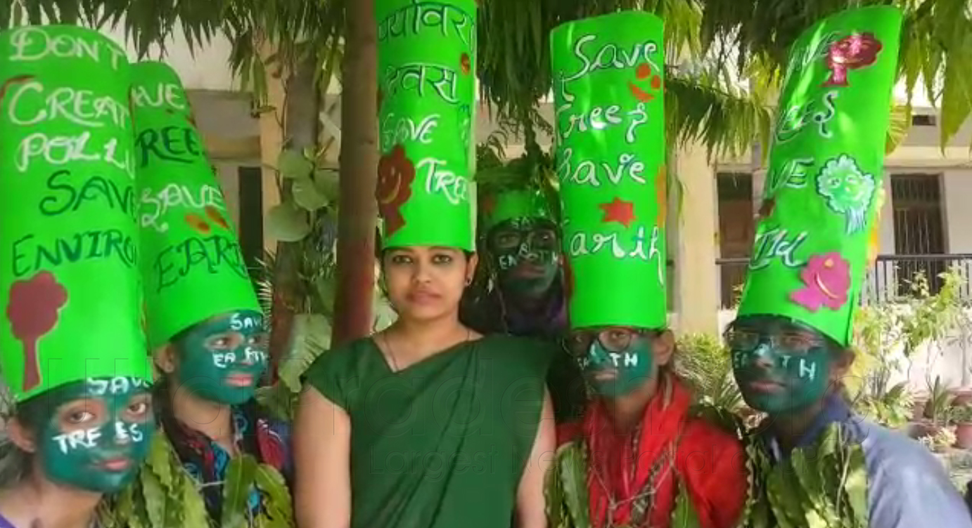World Environment Day unique style: Save Tree and Earth Message