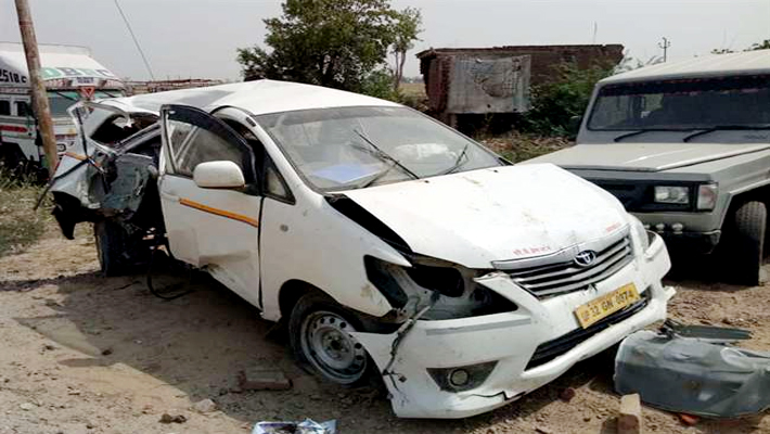 agra: 3 killed 5 injured including birthday boy in road accident