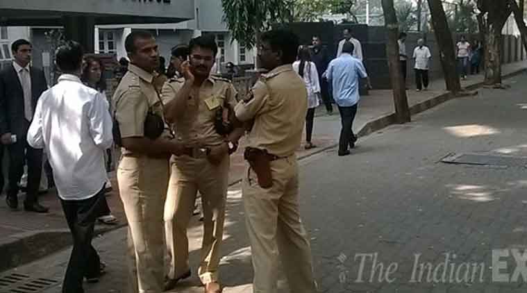 Greater Noida police robbers encounter