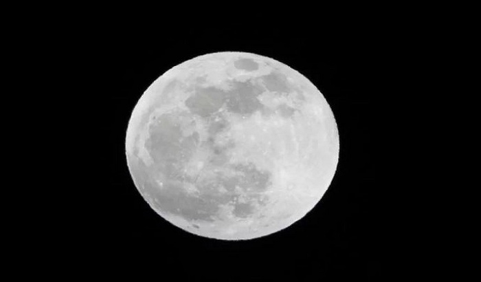 Tonight will appear in the sky, the largest supermoon of the year