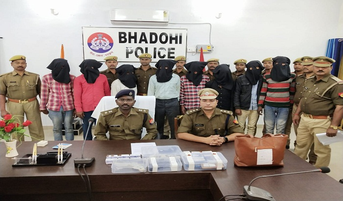 Bhadohi police Arrested the gang of intruder thieves
