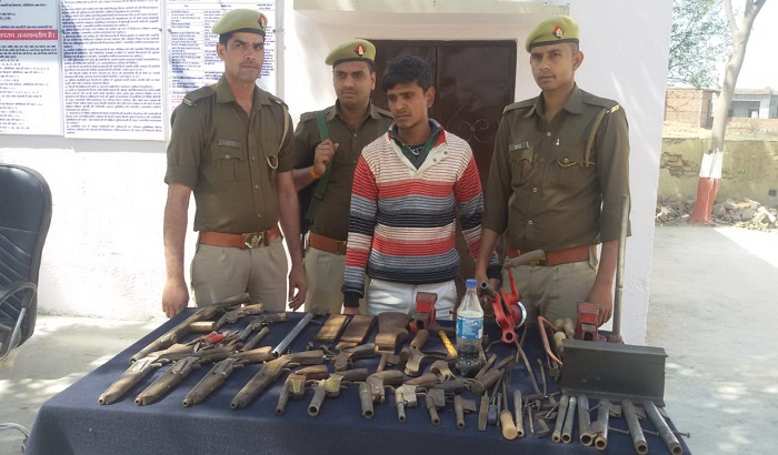 Police raid on illegal weapon factory, arms were recovered